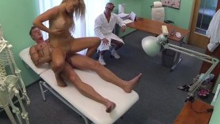 Boyfriend fucks his girlfriend while the doctor gives advice